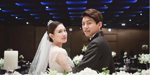 Dong Ho từng gây sốc khi là idol trẻ nhất lấy vợ.