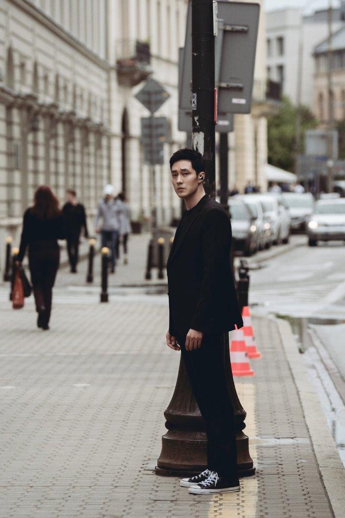 """<p> Những hình ảnh trong phim mới của So Ji Sub đang gây sốt khắp các diễn đàn phim ảnh. Fan Hàn và fan quốc tế đều công nhận rằng nam thần họ So """"càng già càng đẹp trai"""".</p>"""