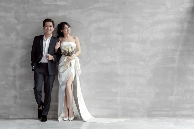 <p> Trường Giang - Nhã Phương có nhiều khoảnh khắc ngọt ngào, lãng mạn bên nhau.</p>