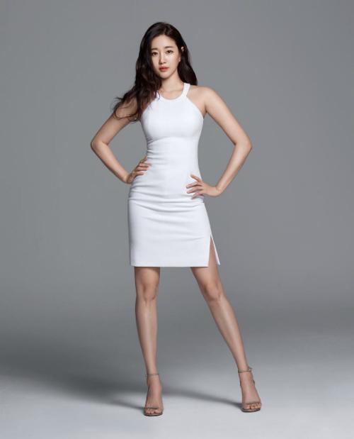 Gần đây, cựu hoa hậu Hàn Quốc Kim Sa Rang trở thành tâm điểm chú ý của người dùng mạng trên diễn đàn Pann.