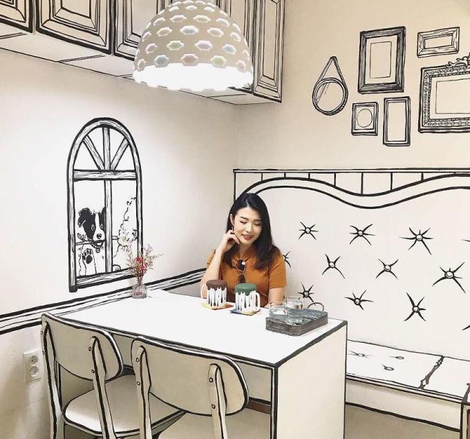 <p> Trong số tất cả các quán cà phê nổi đình nổi đám trên Instagram, đây là một quán đang được nhiều bạn trẻ Hàn Quốc yêu thích. Nơi đây khiến bạn cảm thấy như bước vào một bức tranh hoạt họa vô cùng chân thực.</p>