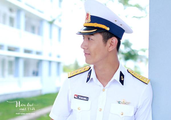 Đại úy Duy Kiên (Song Luân).