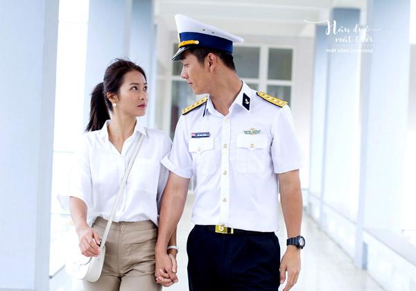 Hình ảnh thân mật của cặp đôi nam nữ chính trong phim.