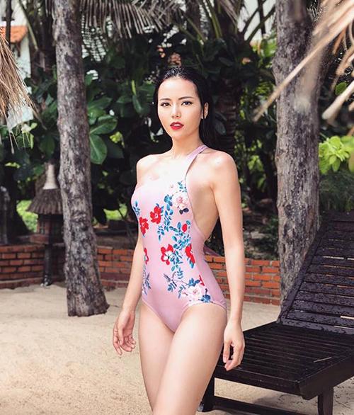 Đỗ Kim Thành là biểu tượng gợi cảm của S-Girls, nhóm nhạc gồm toàn hot girl gây sốt ở X-Factor mùa 2. Cô gái Quảng Nam này không chỉ có gương mặt xinh đẹp, vóc dáng quyến rũ mà còn hát hay, nhảy giỏi, từng lọt vào Top 4 Học viện Ngôi sao, đoạt Á quân Gương mặt thân quen 2018.