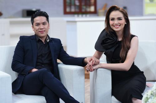 Diễm Hương và người chồng điển trai hiện tại.