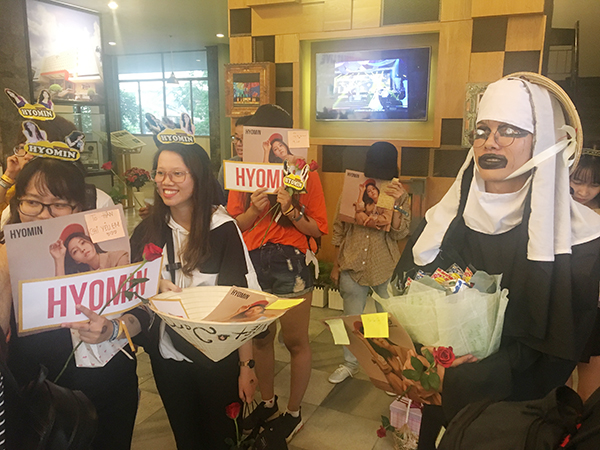 Fan Việt chơi lầy khi hóa ma sơ The Nun khiến Hyomin giật bắn mình - 2