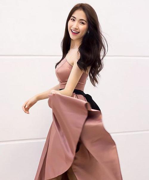 Giảm 11 kg, Hòa Minzy từ tròn vo thành gầy báo động - 4