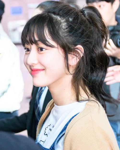 4 mẹo chăm sóc cho tóc luôn dày khỏe, bồng bềnh của các idol Hàn