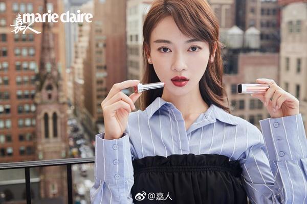 Có thể thấy rằng, hậu Diên Hy công lược, tên tuổi Ngô Cẩn Ngôn phủ sóng mạnh mẽ hơn cả. Dù gặp nhiều phốt về thái độ chảnh chọe nhưng cô vẫn là gương mặt quen thuộc được nhiều nhãn hàng săn đón.