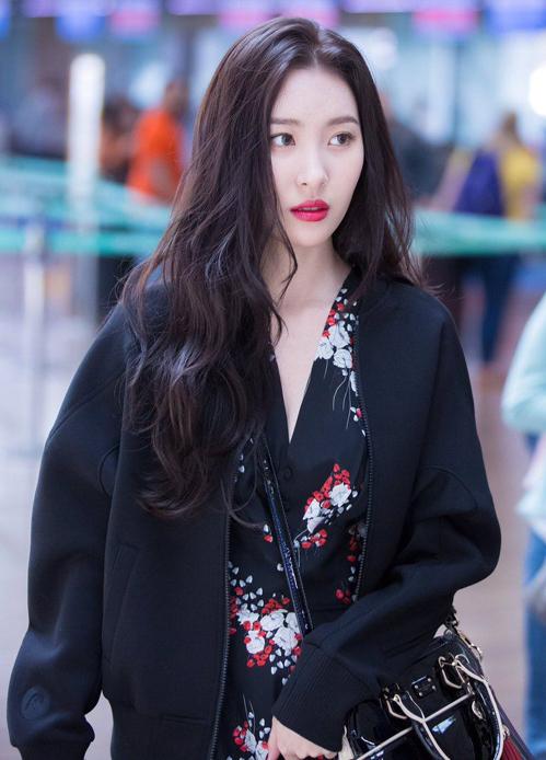 4 mẹo chăm sóc cho tóc luôn dày khỏe, bồng bềnh của các idol Hàn - 6