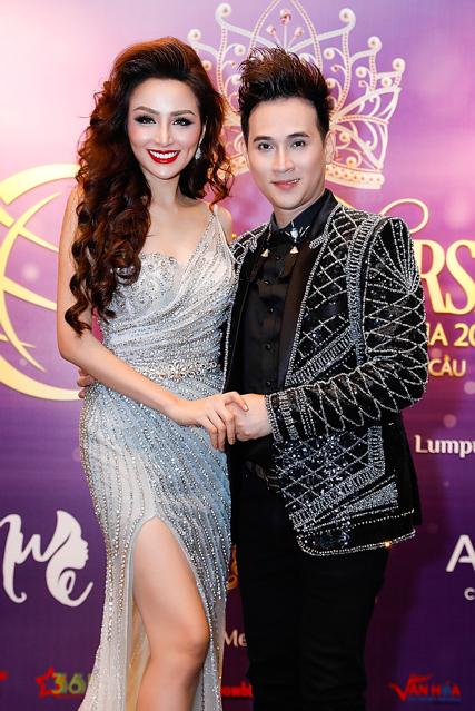 Dù rất bận rộn với công việc tại Việt Nam, Nguyên Vũ và Hoa hậu Diễm Huơng vẫn nhận lời, sắp xếp thời gian sang Malaysia làm giám khảo và biểu diễn trong đêm chung kết cuộc thi. Cả hai từng có cơ hội làm việc nhiều lần trước đó nên thân thiết.
