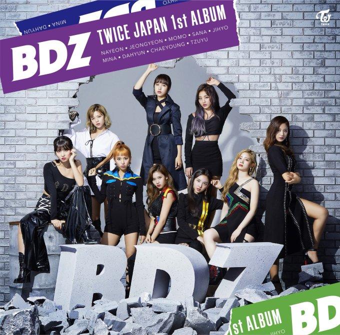 """<p> Khi Twice tung ảnh teaser cho album <em>BDZ</em>, nhiều fan đã mừng thầm vì nhóm xóa bỏ hình ảnh nhí nhảnh, đáng yêu thường thấy. Thực tế, """"gà"""" nhà JYP vẫn giữ nguyên chất nhạc ''phim hoạt hình'', chỉ đổi hình ảnh, khiến nhiều người hiểu lầm.</p>"""