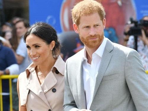 Meghan Markle và chồng mình, hoàng tử Harry.