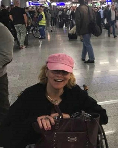 Samantha Markle, Meghans half sister pictured a few days ago in an airport terminal as she claimed she was preparing to fly to the UK - she has now seemingly arrived