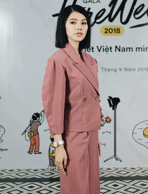 Hoa hậu Jolie Nguyễn là một trong các KOL, trực tiếp trải nghiệm hành trình đi khắp Việt Nam cùng các thí sinh.