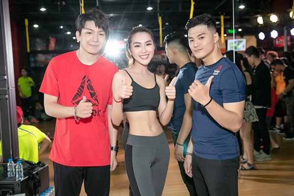 Cuối tuần qua, một sự kiện fitness với tinh thần nâng cao sức khỏe cho cộng đồng có sự tham dự của nhiều bạn trẻ.Hoa hậu Tường Linh, vũ công Lâm Vinh Hải, ca sĩ Kelvin Khánh là khách mời đặc biệt.