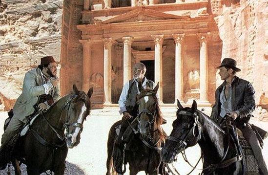 Những địa danh nổi tiếng trong phim là thật hay giả?