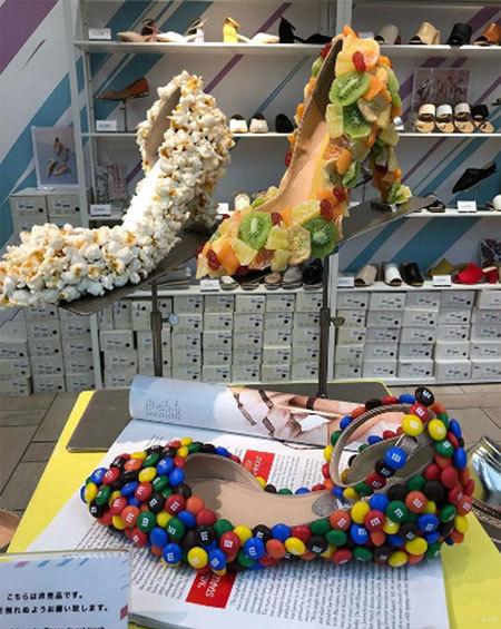 Nhà thiết kế dành tặng giày cho những người thích ăn vặt nhé!