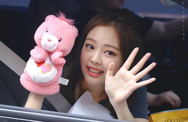 10 idol tắc kè hoa của Kpop: vừa sexy vừa đáng yêu ngọt ngào