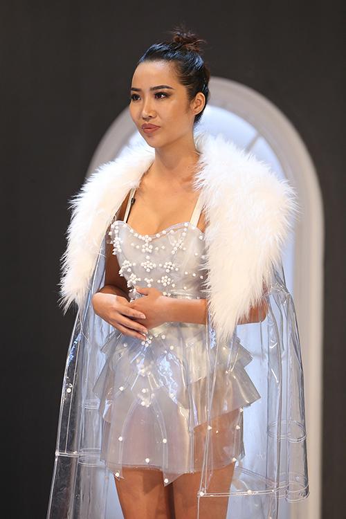 Kiko Chan bức xúc chê Minh Hằng thiếu năng lực để làm HLV sau khi loại cô tại The Face vì truyền thông tiêu cực.