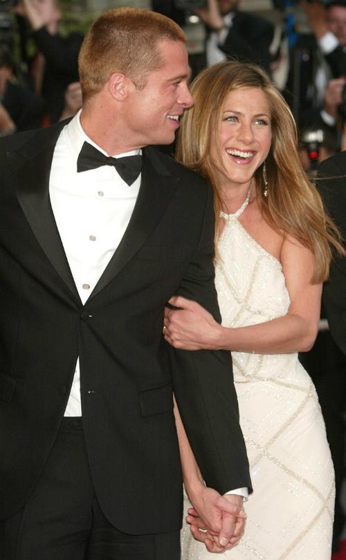 Cặp đôi Jen - Brad thời còn mặn nồng bên nhau.