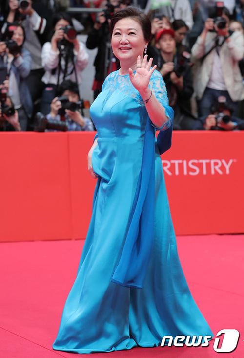 Người mẹ quốc dân Kim Hae Sook từng quen mặt với nhiều khán giả Việt Nam thông qua các bộ phim gia đình.