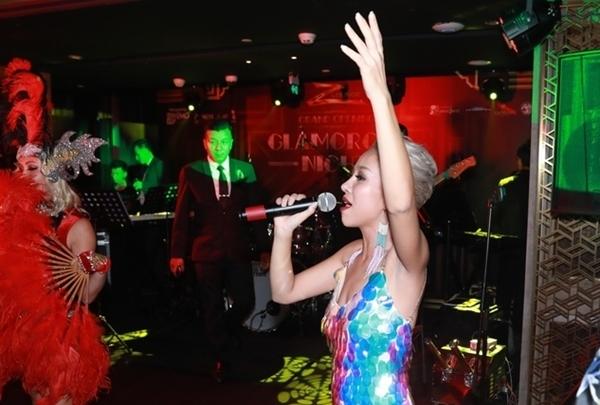 Nữ ca sĩ sẽ là người tự tay biên tập cho những đêm nhạc. Tôi tin với kinh nghiệm có được trong nhiều năm liền hoạt động trong lĩnh vực giải trí, cộng tình yêu âm nhạc để mang đến cho người trẻ có một không gian âm nhạc thực thụ, Thảo Trang khẳng định.
