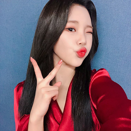 Bức ảnh selfie của thành viên Momoland cũng nhận nhiều lời khen ngợi. JooE nổi tiếng là người giỏi chọn góc chụp.