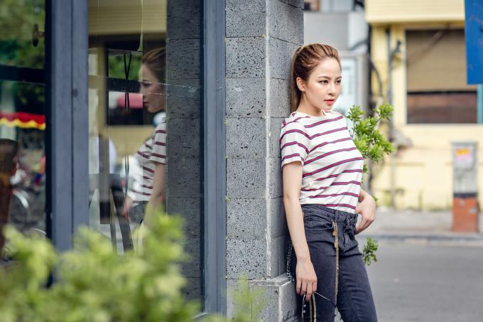 <p> Để chuẩn bị cho vòng casting trực tiếp của dự án nhóm nhạc nữ SGO48, Trâm Anh đang tích cực tập nhảy, luyện thanh. Video cô thể hiện những bước nhảy sexy ở Hồ Gươm hay video cover vũ đạo của HuynA được cộng đồng chú ý và bàn luận rôm rả.</p>