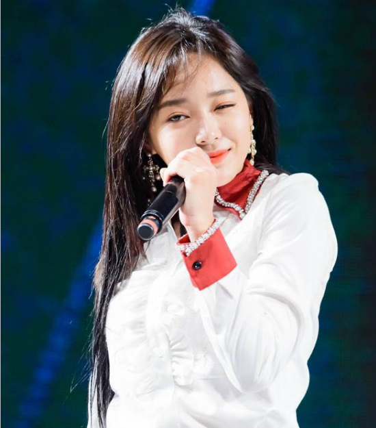 Se Jeong có tài năng thuộc top đầu và visual đứng ở vị trí thứ 4 ở Produce 101. Sau khi I.O.I tan rã, cô nàng bận rộn với nhóm riêng và các hoạt động cá nhân. Nhiều ý kiến cho rằng Se Jeong sẽ thành công hơn khi đi solo hơn là phải gánh nhóm Gugufan như hiện tại.