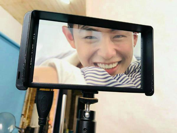Anh chàng tham gia các vai diễn nhỏ trong phim đình đám như Zippo, Mù tạt và em, Tuổi thanh xuân 2, Yêu em bất chấp. 9x còn tham gia diễn xuất cho MV của ca sĩ Đinh Hương