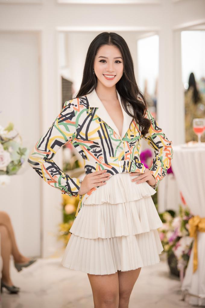 <p> Top 10 Hoa hậu Việt Nam 2018 Nguyễn Hoàng Bảo Châu.</p>
