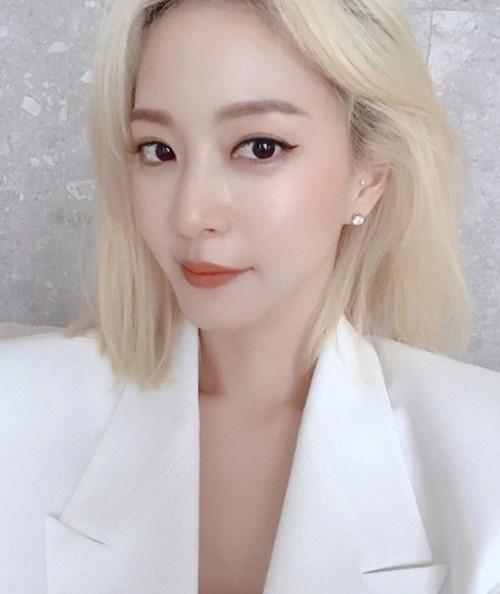 Nhan sắc trẻ trung của Han Ye Seul khiến nhiều người khó tin rằng cô đã ngấp nghé tuổi U40.