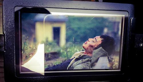 Doãn Quốc Đam chia sẻ hình ảnh cuối cùng của bản thân trong Quỳnh Búp bê lên trang cá nhân.