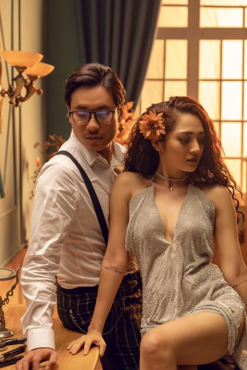 Bảo Anh hóa búp bê yêu Kiều Minh Tuấn cuồng nhiệt trong MV.