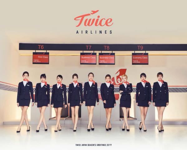 Twice mặc đồng phục tiếp viên hàng không trong bộ lịch 2019.