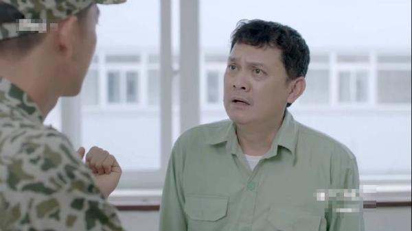 Phân cảnh xuất hiện của chú Tiên (nghệ sĩ Hữu Châu) cũng khiến khán giả cảm thấy hài hước. Khi chú đến báo cho đội trưởng về vụ tai nạn giao thông ở đường núi nhưng thái độ lại vô cùng bình thản. Lời thoại cũng rườm rà cho một tình huống cần cứu người khẩn cấp như vậy.