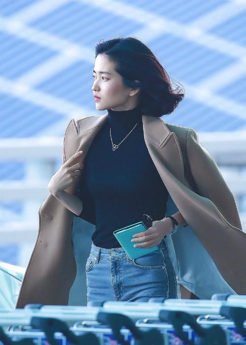 Phong cách thời trang cuốn hút của girl crush nổi nhất làng điện ảnh Hàn - 1
