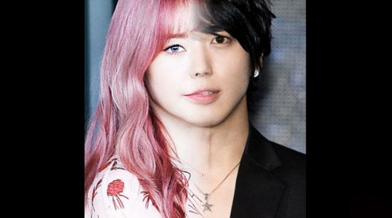 Với nửa khuôn mặt, bạn có biết đó là idol Hàn nào?
