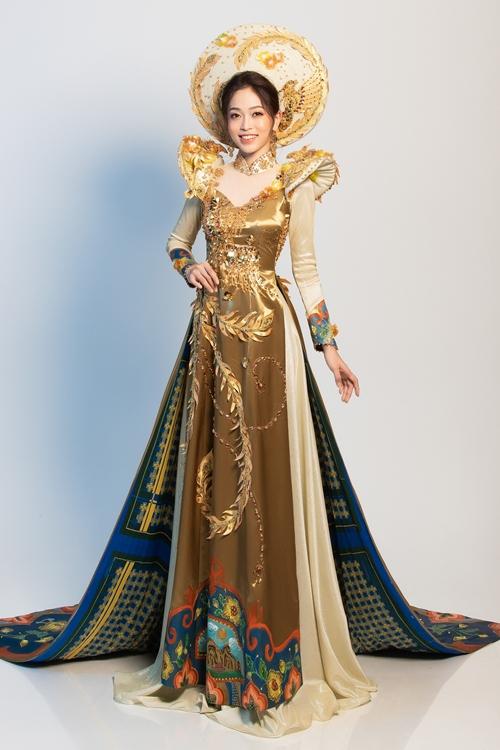 Trang phục truyền thống cầu kỳ của Phương Nga tại tại Miss Grand International 2018