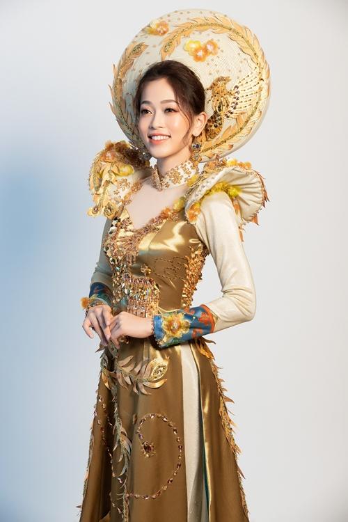 Trang phục truyền thống cầu kỳ của Phương Nga tại tại Miss Grand International 2018 - 2