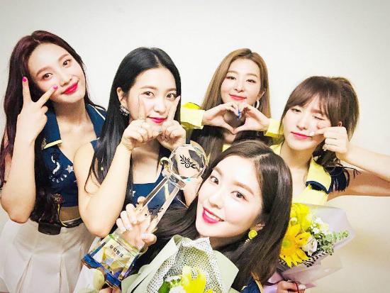 Red Velvet xác nhận comeback vào cuối năm.