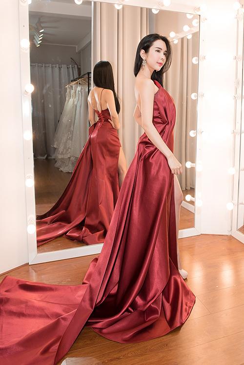 Người đẹp dùng váy HHen Niê, Hoàng Thùy từng mặc để đi thi quốc tế - 3