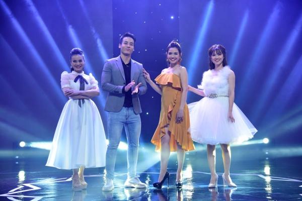 Việt Hương bật khóc trước chuyện đời của Hải Yến Idol