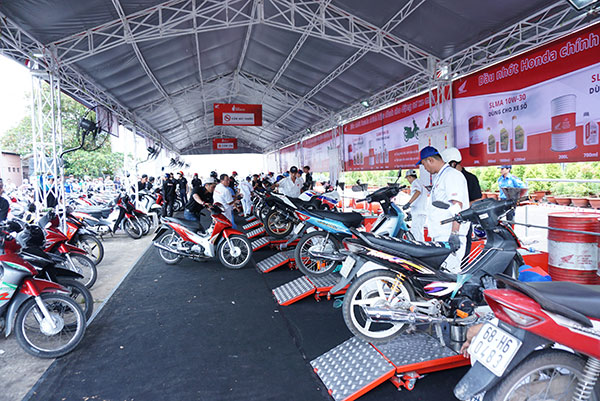 Honda Việt Nam luôn hỗ trợ khách hàng.