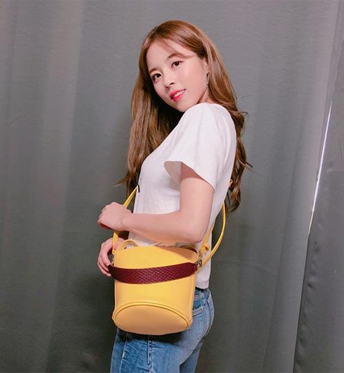 Cũng vì gu thẩm mỹ tinh tế nên dù không phải là gương mặt quá nổi bật, Do Hee vẫn thường xuyên được các nhãn hàng thời trang mời quảng cáo.