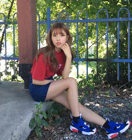 Cô gái 1m52 hiếm hoi của Kbiz: Mặc đẹp chẳng kém các chân dài - 4