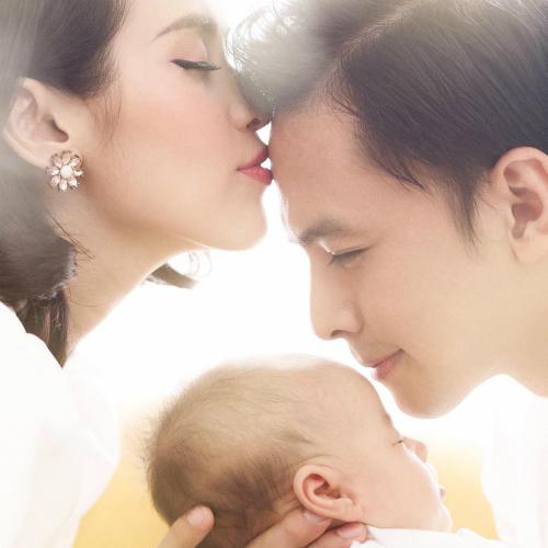 Tú Vi vừa sinh con gái đầu lòng cho ông xã Văn Anh vào đầu tháng 4.