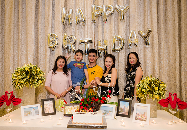 Bảo Thanh còn vô cùng bất ngờ khi được tổ chức sinh nhật sớm ở Phú Quốc mặc dù ngày 26/10 nữ diễn viên mới bước sang tuổi mới.
