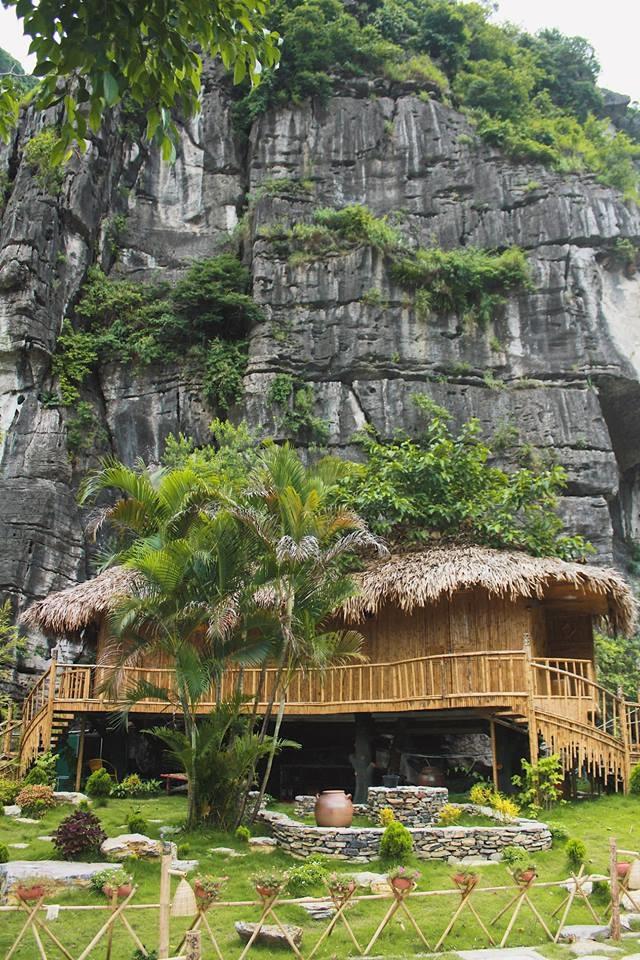 <p> Hòa mình vào thiên nhiên trong một mùa thu lãng mạn trở thành trải nghiệm đáng nhớ với nhiều du khách.</p>